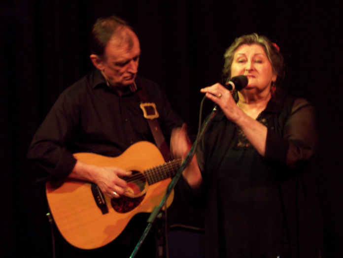 Martin Carthy and Norma Waterson 57K